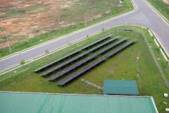32_Gelände_SW-Eck_mit-Solar-Paneele
