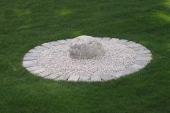 Yin Stein vor dem Beginn des Steingartens